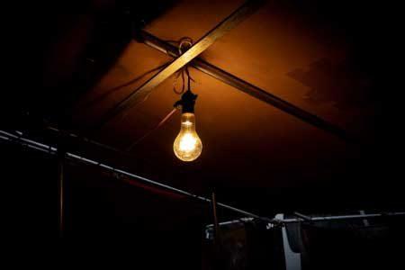 歴史や価値とともに変化する「お値段」──-電気料金の変遷